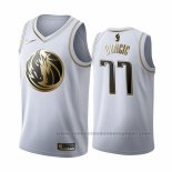 Camiseta Golden Edition Dallas Mavericks Luka Doncic #77 2019-20 Blanco